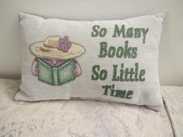 Book pillow s